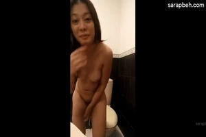 Pinay nice pussy nude dance hot pinay (Pretty girl)